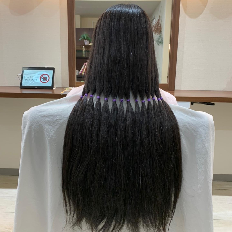 🧚♀️Japan Hair Donation & Charity 🧚♀️何年も大切に長く伸ばして下さっていた髪を提供して頂きありがとうございます。カットした後の爽やかな笑顔が印象的でしたThank you •✽+†+✽――✽+†+✽――✽+†+✽――Hair salon VOGUE ︎( ˘ᵕ˘ )℡ 0847-41-2398〠 広島県府中市府中町47-1✽+†+✽――✽+†+✽――✽+†+✽――••#ヘアードネイション #HairsalonVOGUE#ヘアーサロンヴォーグ#ヴォーグ美容室 #府中市美容室 #福山市美容室 #七五三 #成人式 #結婚式 #卒業式 #メンズモデル #府中市立図書館 #駅近サロン #府中市 #福山市 #校則ヘアー #府中高校 #府中東高校 #戸手高校 #ヘアケア #ヘアアレンジ #ヘアサロン#メンズヘア #スタイル #vlog